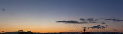 soku_22505.jpg :: 夕焼け 富士山 飛行機 雲 空 風景 パノラマ (^.^)