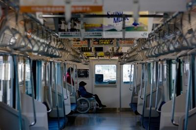 soku_22796.jpg :: 電車 E231系 車椅子