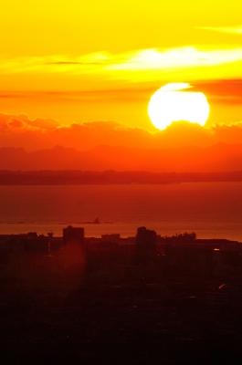 soku_22988.jpg :: 風景 自然 空 朝日 朝焼け 日の出 烏帽子岩