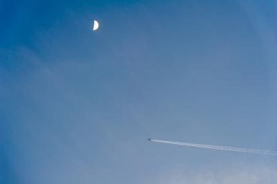 soku_22989.jpg :: 風景 自然 空 飛行機雲