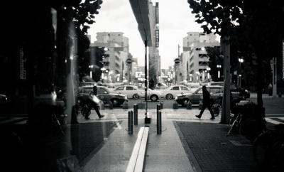 soku_23156.jpg :: NikonF3 ニッコールレンズ 街並み スナップ 銀塩