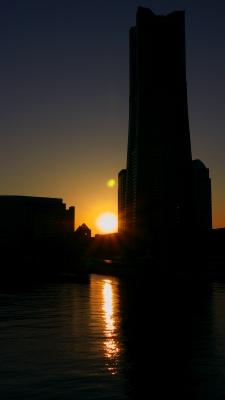 soku_24258.jpg :: 夕日 ランドマークタワー シルエット 横浜