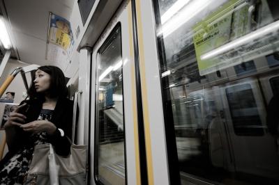 soku_25029.jpg :: 終電車 人物 女性