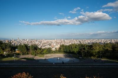 soku_26082.jpg :: 風景 旭山公園 遠景 パンフォーカス 像面湾曲 補正有り 3枚合成