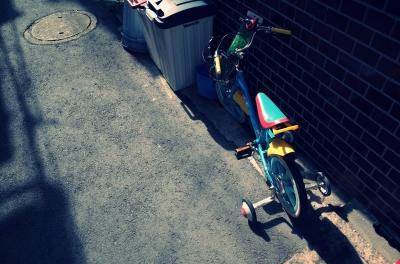 soku_26926.jpg :: 風景 街並み 都市の風景 路地裏 自転車