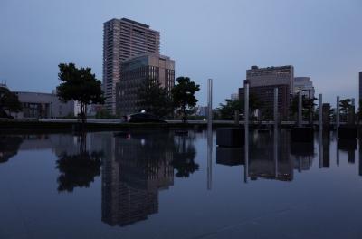 soku_26986.jpg :: 風景 街並み 都市の風景 ビル 水鏡