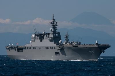 soku_27047.jpg :: 海上自衛隊 観艦式 護衛艦 DDH.182 いせ ise 風景 自然 山 富士山