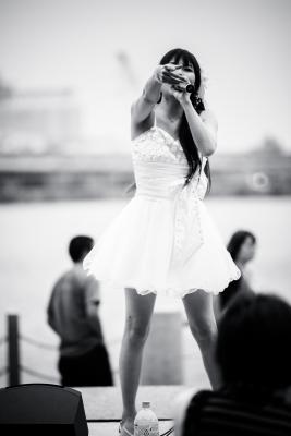 soku_27232.jpg :: 人物 女性 若い女性 歌手 ボーカリスト 美人 モノクロ