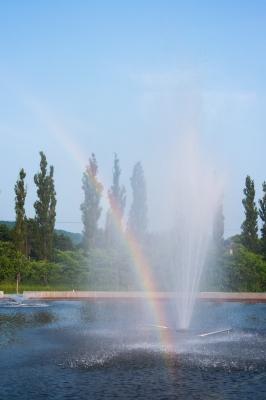 soku_27411.jpg :: 水 噴水 水しぶき 虹