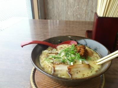 soku_27608.jpg :: 食べ物 麺類 ラーメン とんこつラーメン