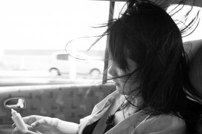 soku_28306.jpg :: 車内 女性
