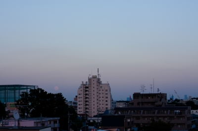 soku_28571.jpg :: 風景 街並み 都市の風景 自然 天体 月 中秋の名月