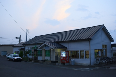 soku_28976.jpg :: 風景 街並み 駅 鮫駅