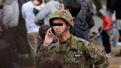 soku_29060.jpg :: 陸上自衛隊 戦闘員 通信中