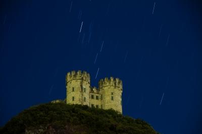soku_29170.jpg :: 建造物 城 山 丘 天体 星