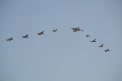 soku_29260.jpg :: 乗り物 交通 航空機 飛行機 軍用機 編隊飛行