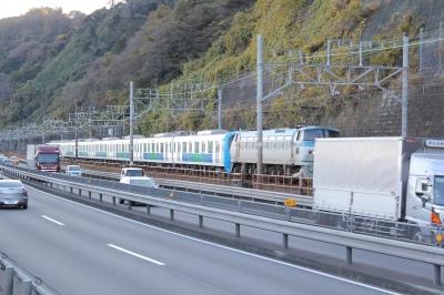 soku_29345.jpg :: 乗り物 交通 鉄道 貨物列車 電車 道路 静岡県