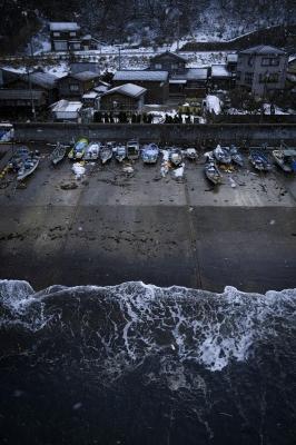 soku_29402.jpg :: 雪の漁港 風景 街並み 港