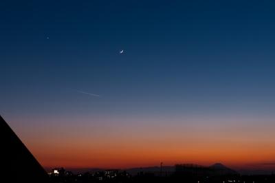 soku_29410.jpg :: 三日月 金星 夕闇 宵の明星 風景 自然 天体 星