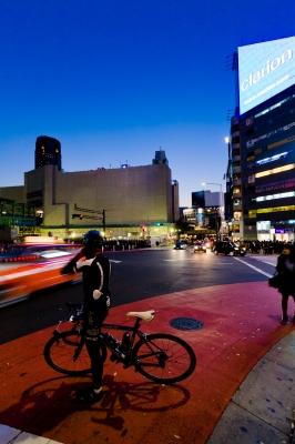 soku_29426.jpg :: 渋谷 宮益坂下 夕暮れ 乗り物 交通 その他の乗り物 自転車
