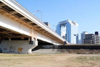 soku_29683.jpg :: 風景 街並み 橋 道路