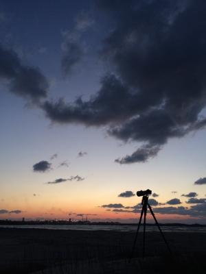 soku_30052.jpg :: iPhone 5S 風景 自然 空 雲 マジックアワー 残照 月 by Niigata