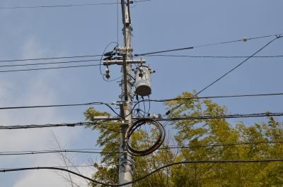 soku_30129.jpg :: 建築 建造物 電柱 電線 比較写真