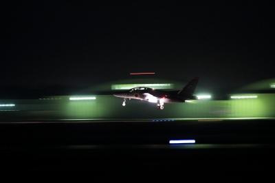 soku_30206.jpg :: T-4 飛行機 ヒコーキが足りない by IBR
