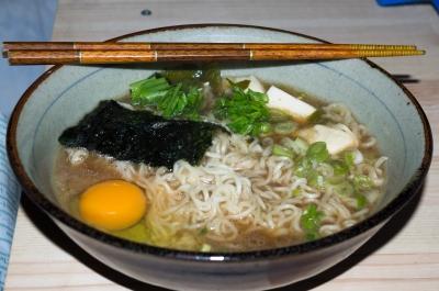 soku_30275.jpg :: 食べ物 麺類 インスタントラーメン