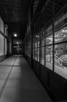 soku_30835.jpg :: 塩原 天皇の間 記念公園 モノクロ org:soku_28458.jpg