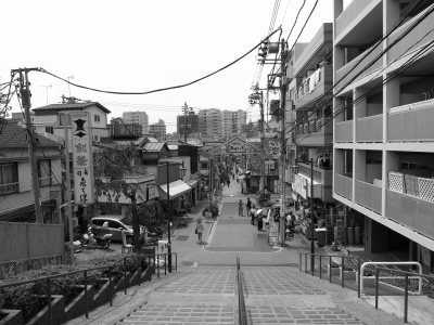 soku_30837.jpg :: 風景 街並み 店舗 商店 谷中 モノクロ