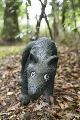 soku_30938.jpg :: 犬 アストロン 木彫り 風景 自然 森林