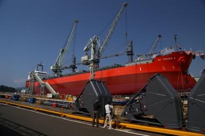 soku_30979.jpg :: 進水式 乗り物 交通 船 タンカー 大型船