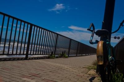 soku_31132.jpg :: 乗り物 交通 道路 歩道 風景 自然 空 青空