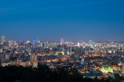soku_31276.jpg :: 風景 街並み 夜景 札幌 旭山公園 マジックアワー