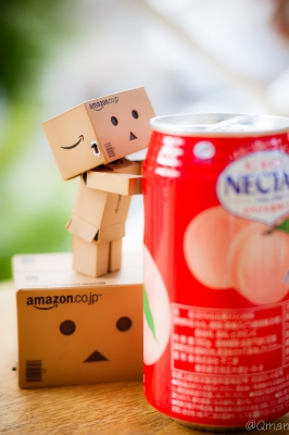 soku_31367.jpg :: アート 工芸品 クラフト 人形 フィギュア ダンボー 飲み物 ドリンク ジュース ネクター 風景