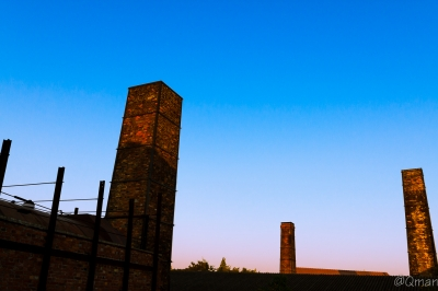 soku_31828.jpg :: 風景 夕焼け 建物 レンガ 煉瓦 煙突