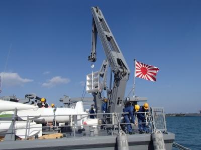 soku_31949.jpg :: 日々訓練 掃海艇 MSC 海上自衛隊 旭日旗 十六条旭日旗