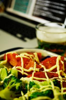 soku_32021.jpg :: 食べ物 洋食 サラダ トマト ブロッコリー マヨネーズ