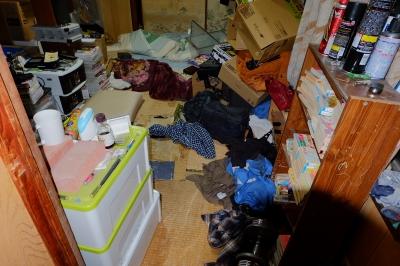 soku_32236.jpg :: 部屋 空間 和室 ゴミ溜め ゴミ部屋