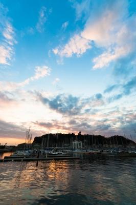 soku_32277.jpg :: 風景 街並み 港 ヨットハーバー 自然 空 雲
