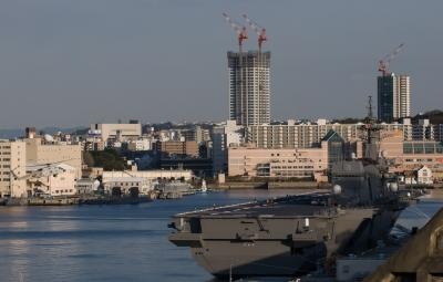 soku_32460.jpg :: 海上自衛隊 横須賀基地 逸見岸壁 DDH.183 いずも izumo SH.60K 哨戒ヘリ 着艦 初着艦 祝就役