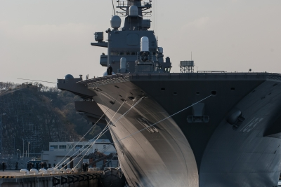 soku_32467.jpg :: 海上自衛隊 横須賀基地 逸見岸壁 DDH.183 いずも izumo 祝就役 前部索設置作業