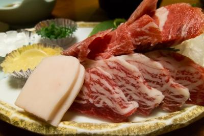 soku_32568.jpg :: 食べ物 食材 肉 馬刺し 三点盛り