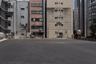 soku_32615.jpg :: 風景 ビル 空き地