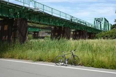 soku_32697.jpg :: 建築 建造物 橋 鉄橋 自転車
