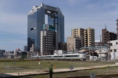soku_32762.jpg :: 乗り物 交通 鉄道 電車 風景 街並み ビル