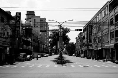 soku_32890.jpg :: 風景 街並み 都市の風景 外国 モノクロ