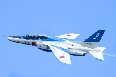 soku_32939.jpg :: 乗り物 交通 航空機 飛行機 軍用機 ブルーインパルス T-4