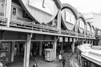 soku_32976.jpg :: 東急渋谷駅 風景 街並み 駅 モノクロ